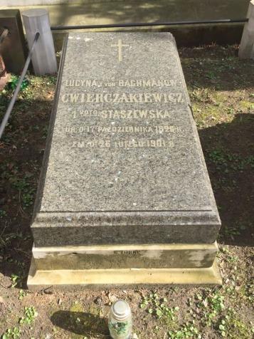 nagrobek Lucyny Ćwierczakiewiczowej na Cmentarzu Ewangelicko-Reformowanym w Warszawie